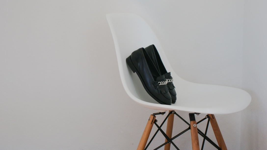 out of the box blog vitra chair topshop shoes